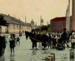 Наводнение в Николаеве. На заднем плане виден Новокупеческий собор
