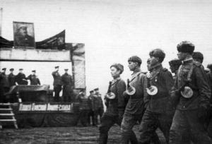 Парад Красной Армии в районе пл.Коммунаров в Николаеве. Март 1944 г.