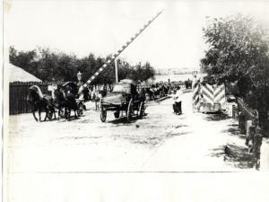 Въезд на старый Варваровский мост. Дореволюционное фото.